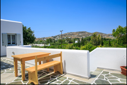 paros youth hostel
